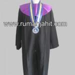 Design Toga Wisuda Universitas Maritim Ali Haji FT